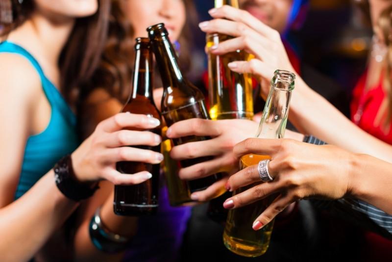 bia rượu là nguyên nhân gây bệnh vẩy nến