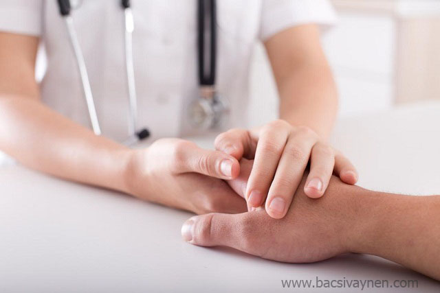 Phương pháp hỗ trợ điều trị bệnh vẩy nến móng tay, móng chân