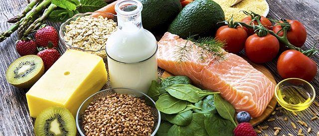 Chữa vẩy nến da đầu bằng chế độ dinh dưỡng