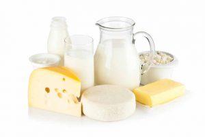 bị viêm khớp vảy nến không nên uống sữa
