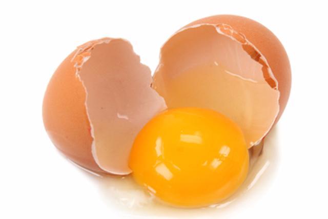 Mẹo chữa vẩy nến bằng trứng gà