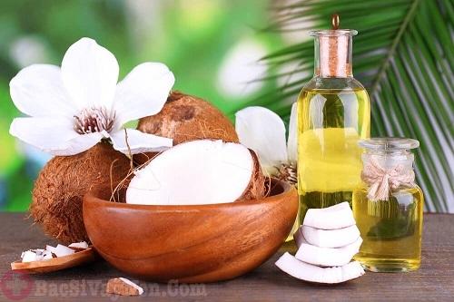 Tinh dầu dừa chữa trị bệnh á sừng
