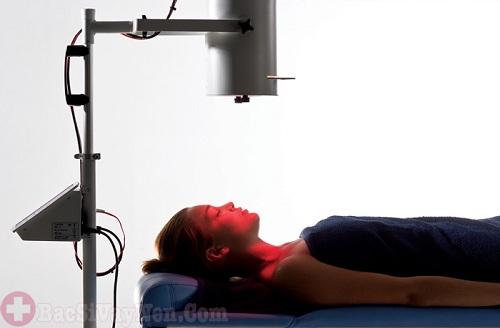 Điều trị bệnh vẩy nến da mặt bằng công nghệ ánh sáng