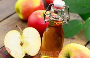 Dấm táo chữa bệnh vảy nến trên mặt