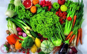 Người bệnh á sừng nên ăn nhiều rau và trái cây