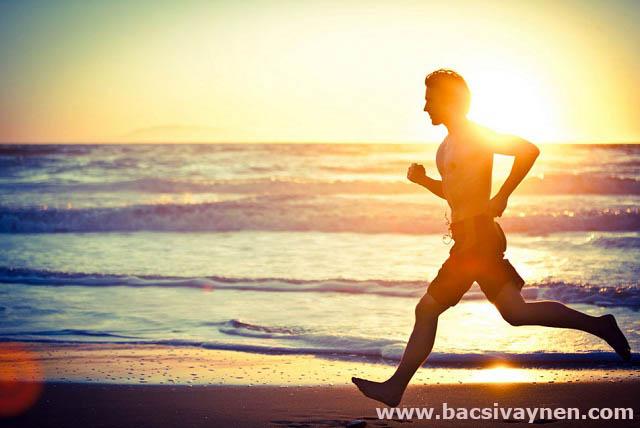 Hỗ trợ điều trị vẩy nến thể đỏ da toàn thân bằng cách luyện tập thể thao